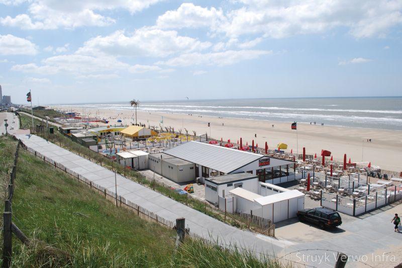 Strandopgang zandvoort uitgevoerd met betonnen vloerplaten