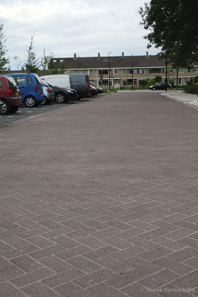 Herinrichting acaciaplein schagen bruine bestrating uitgewassen beton lavaro